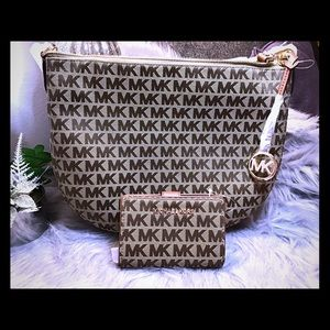 Michael Kors Bedford and matching wallet